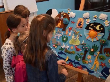 Сътворението - пано, изработено от децата в малката група