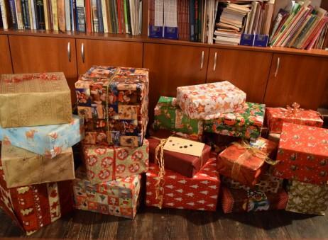 23 декември - за семейства в нужда от семействата на децата от групите по религия в ОУ Стефан Караджа