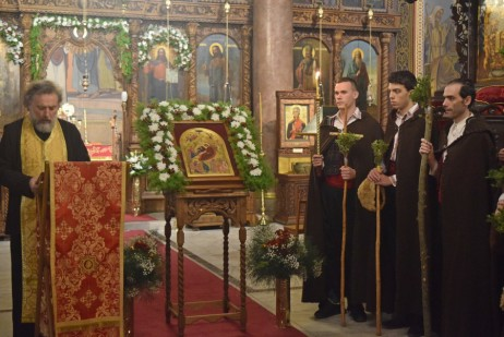 24 декември, Коледари-благовестници за молитва и благословение в храма
