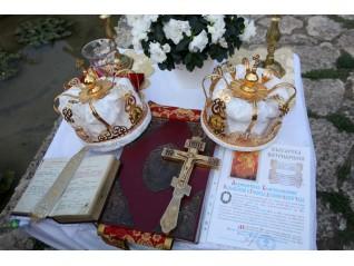 В подкрепа на любовта. Защо е нужен църковният брак?