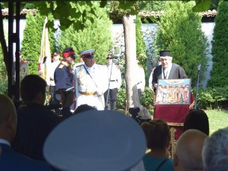 Възстановка на посрещането на ХIV Брянски полк в двора на българското училище и храма Св. Архангел Михаил на 27 юли 1878 г.