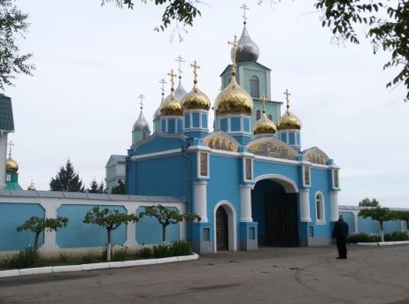 Надвратната църква на манастира