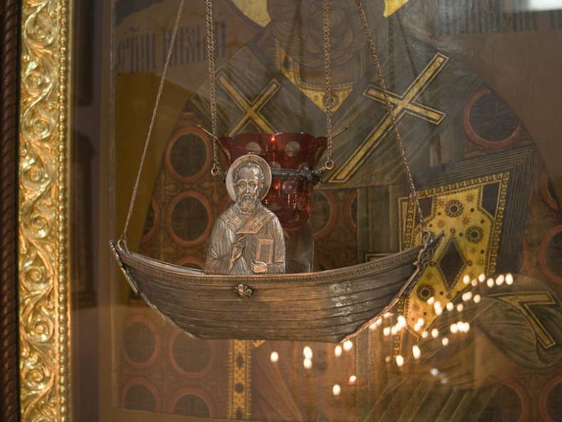 """храм """"Св. Николай Чудотворец"""" на руското подворие в гр. Бари, Италия"""