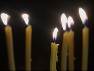 Как да се помолим за нашите покойници?