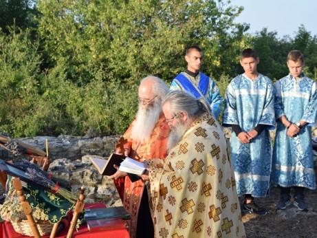 Акатист към св.св. Козма и Дамян в древната базилика, посветена на двамата лечители-безсребреници