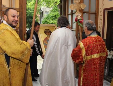 Посрещане на иконата в морския храм Св. Николай
