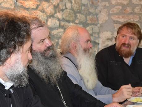Беседа със свещениците