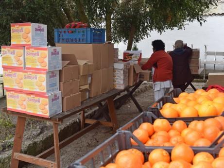 20 декември, пакетиране на дарените продукти за нуждаещи се