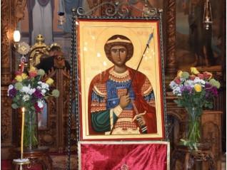 Празник в храма пред иконата на св. Георги