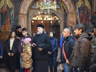 Младежко поклонническо пътуване до Троянския манастир